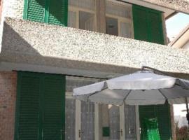 Apartamento con balcone o terrazza