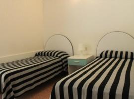 camera con due letti